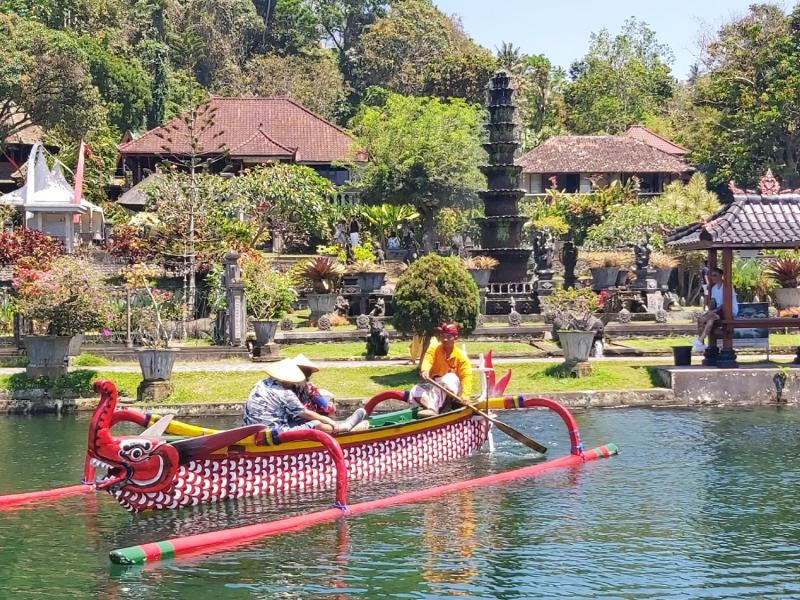 Bali Blue Lagoon Snorkeling and East Bali Tour