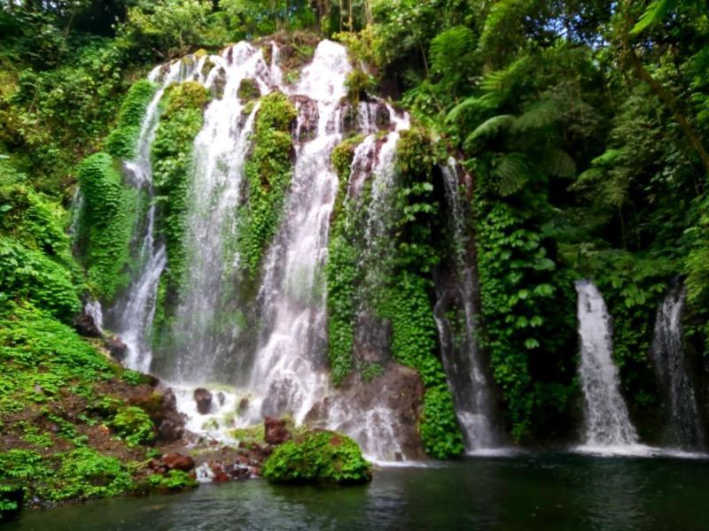 Hidden Waterfall at North of Bali