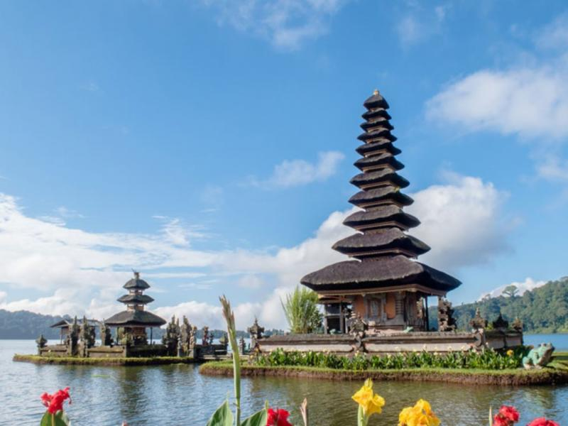 Ulun Danu Beratan and Botanical Garden Tour